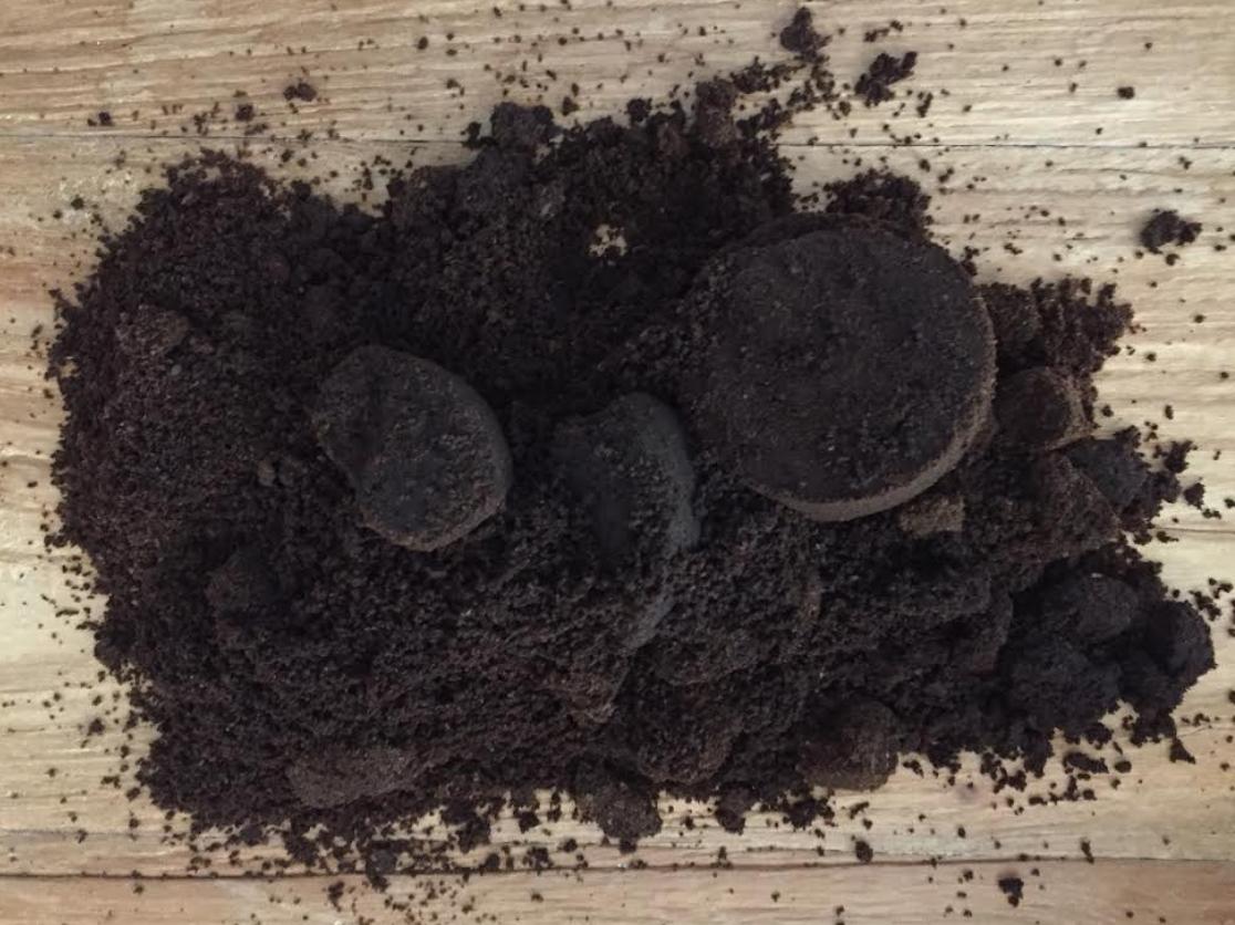 Pure Africa en Cambio zamelen koffieresidu van Deventer in
