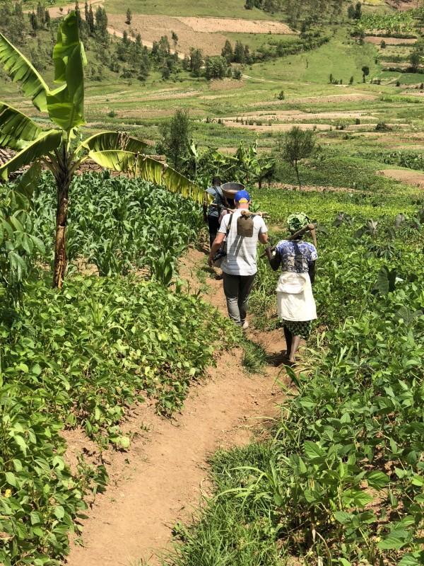 Drink Pure Africa koffie en investeer in Afrika