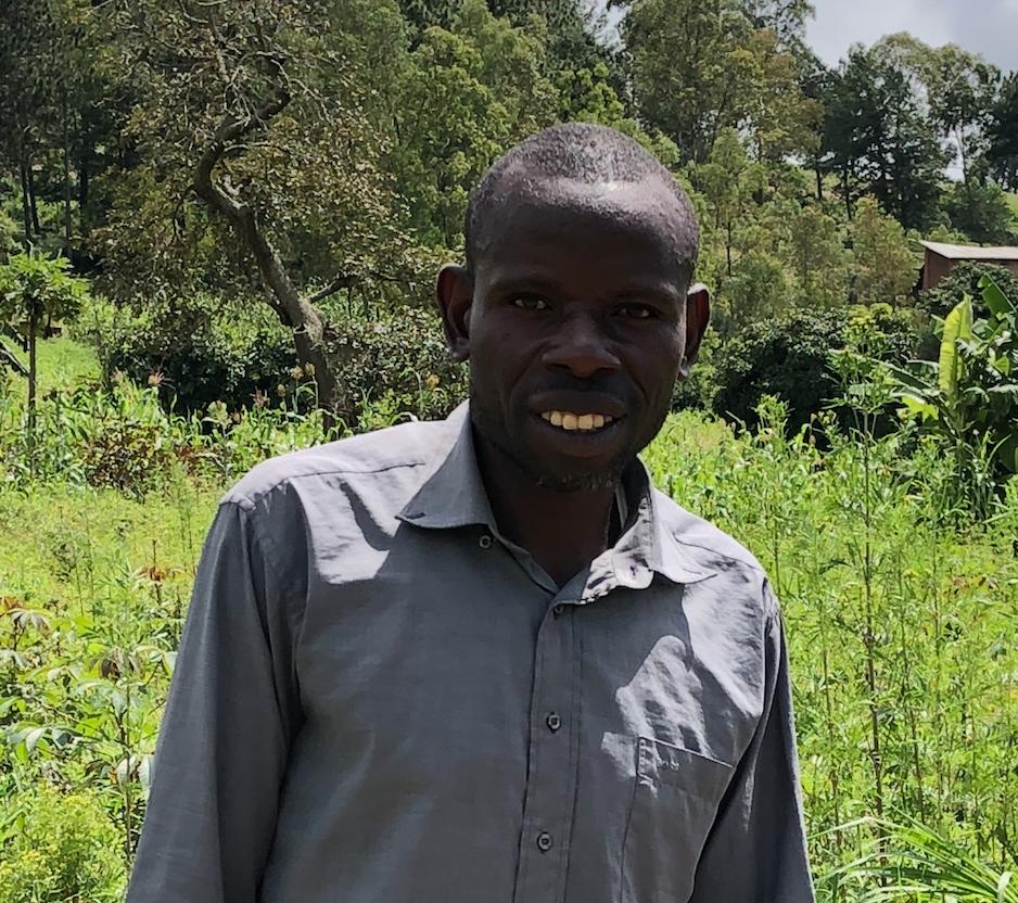 boer in Rwanda met een microkrediet